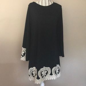 Young Threads Black & White Embrodery Dress sz XL